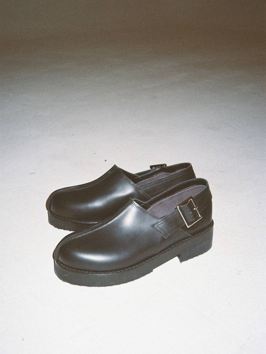 ROUND BELT LOAFER